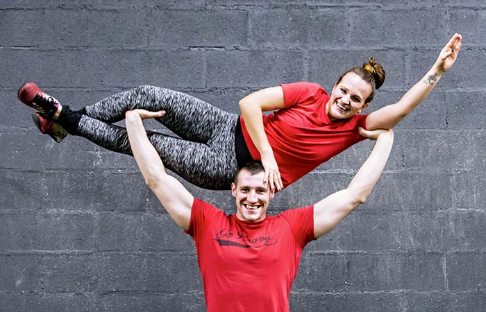 Couple en train de faire du CrossFit
